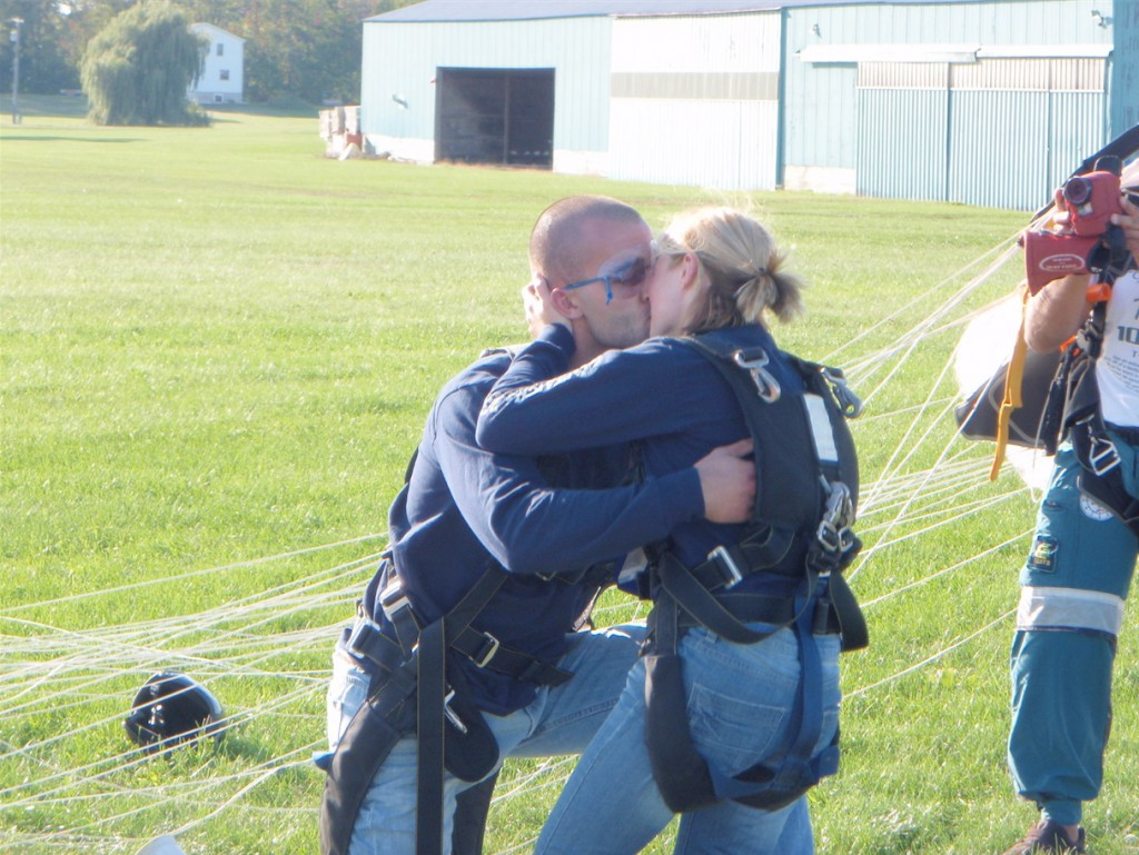 Nicole Pelinski was proposed to after sky diving over Detroit.