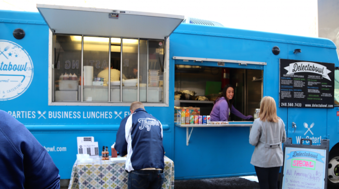 Delectabowl Serves Up Comfort Food In Cadillac Square All Week - Opportunity Detroit Blog