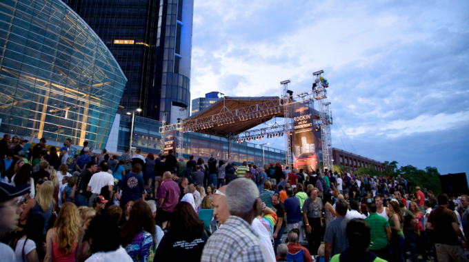 Rockin' On The Riverfront Returns July 8 – August 12 - Opportunity Detroit Blog