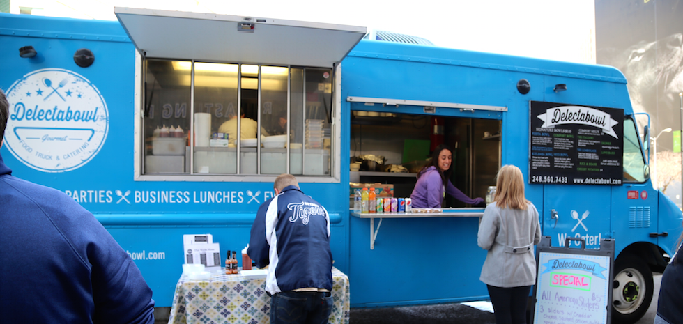 Delectabowl Serves Up Comfort Food In Cadillac Square All Week