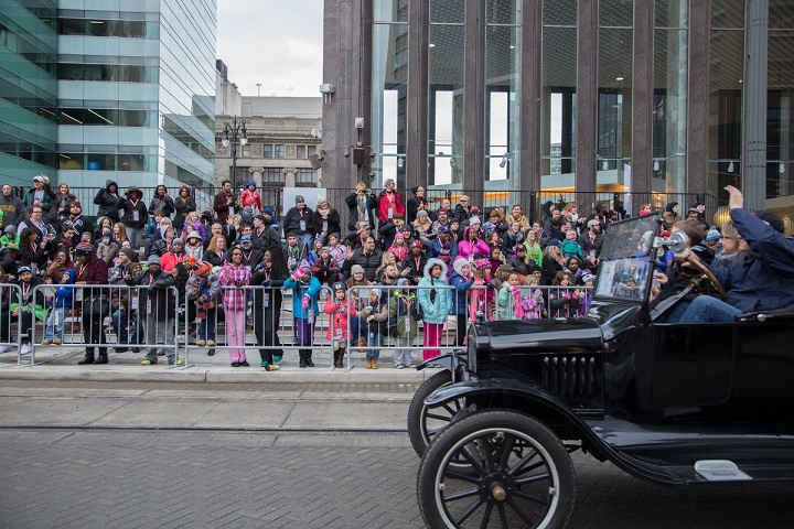 America's Thanksgiving Parade Presented By Art Van: An Annual Detroit Tradition